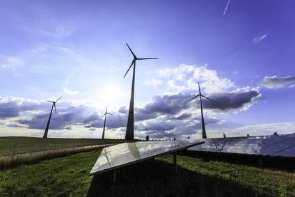 Erneuerbare Energien - Umweltverbände torpedieren mit etlichen Beschwerden den Ausbau der erneuerbaren Energien. Sowohl in der Schweiz als auch in Deutschland kommen Wind- und Wasserkraft oft nicht vorwärts.